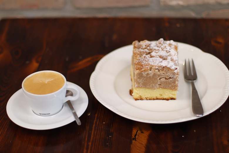 crumb-cake-about